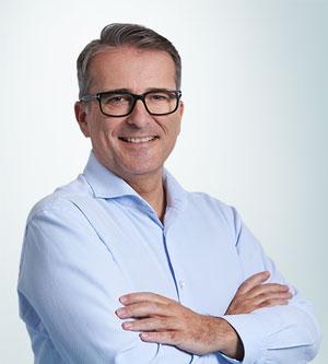 Portrait von Dr. Gründler Facharzt für Orthopädie & orthopädische Chirurgie und ärztlicher Leiter des ZFM Wien